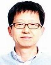 Chang-Hwan Lee