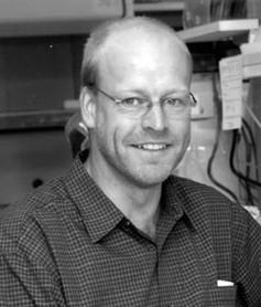 Dr. Karsten Hueffer